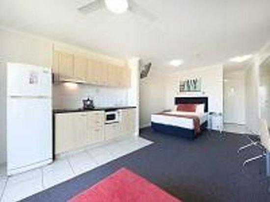 Wellington Apartment Hotel: Queen studio apartment