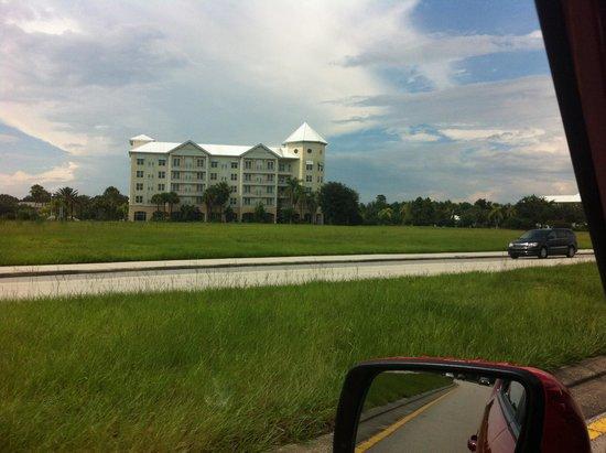 Monumental Hotel Orlando : De loin ça n'a l'air de rien, mais tranquille et très bien