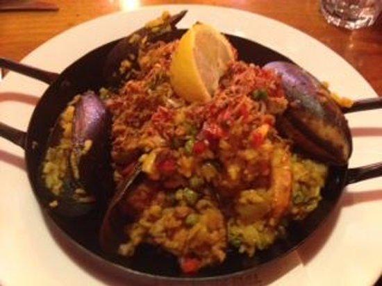 Black Bull Tapas Bar and Restaurant: Paella
