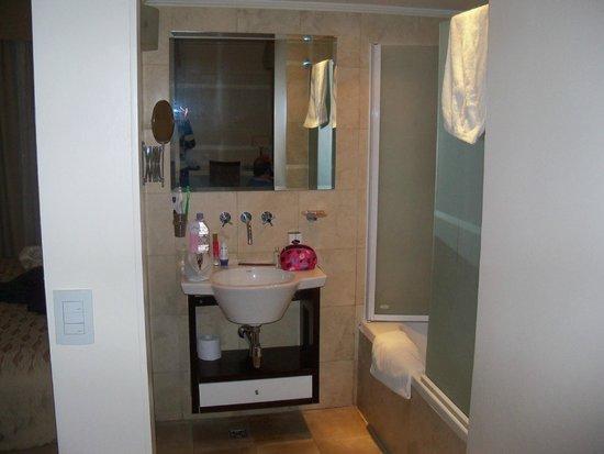 Huentala Hotel: baño