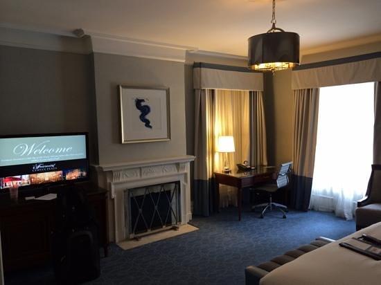Fairmont Copley Plaza, Boston: King/Corner - Room 165