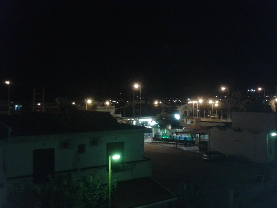 Mikes House : view at night from room