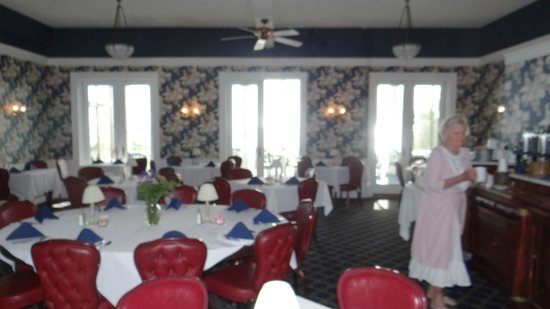 Emerson Inn : this is the dining and breakfast room