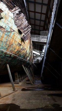 Edwin Fox Maritime Museum: under the ship