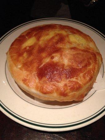Daily Grill : Mini- chicken pie. ( not so mini)