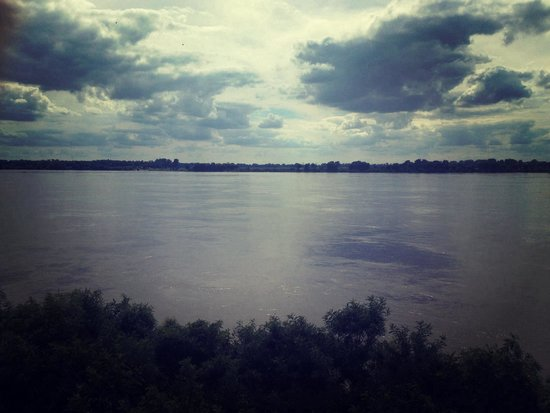 Mud Island River Park : View of Mississippi River from mud island