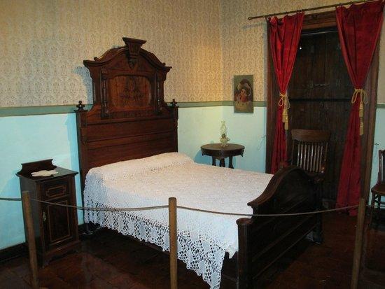Diego Rivera Museum and Home (Museo Casa Diego Rivera): Rivera's actual birth bed