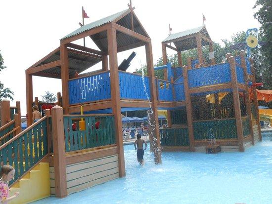 Yogi Bear's Jellystone Park Camp-Resort in Quarryville: Pool