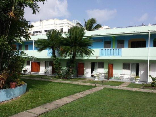 The Palm Garden Hotel: hotel