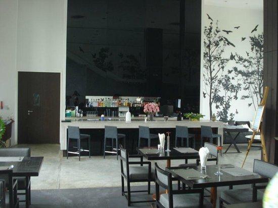 Vismaya Suvarnabhumi Resort: Bar - view from the dining area