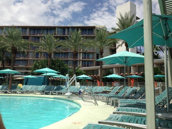 Hotel Valley Ho: main pool area