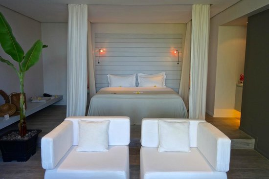 The Lombok Lodge : The bed