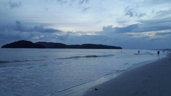 Cenang Beach: Almost night