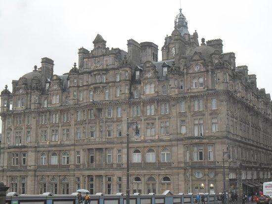 The Roxburghe Hotel : A GRAND HOTEL IN THE HEART OF EDINBURGH