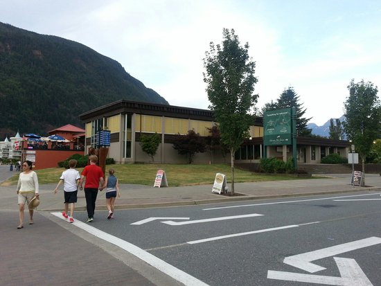 Harrison Hot Springs Public Pool: View of the Public Pool from across Hot Springs Road