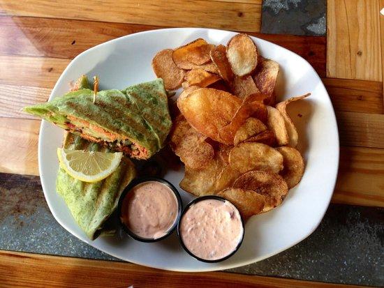 20320 Alaskan Grill : Salmon wrap