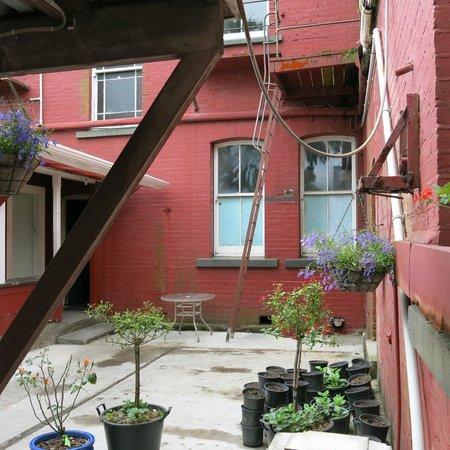 Art Hotel : courtyard
