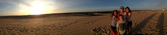 Jockey's Ridge State Park: Sunset on the ridge with the family by M Ivey