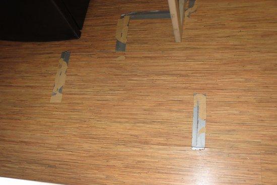 Rodeway Inn: Floor