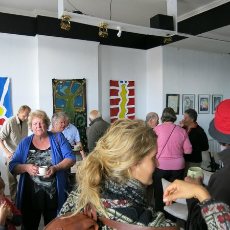 Art Hotel : opening , small crowd