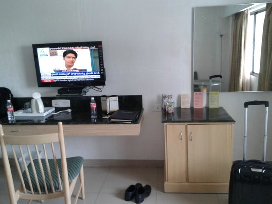 Savera Hotel: WELL & CONVINIENTLY FURNISHED
