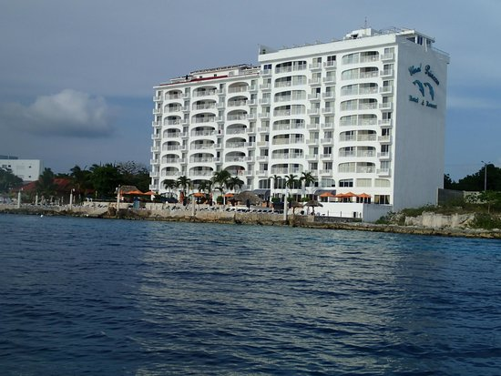 Coral Princess Golf & Dive Resort: view of hotel from water