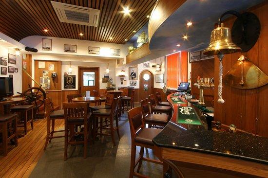 Hotel Mermaid Bangkok: Pub