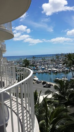 The Modern Honolulu : Palatial ocean view from the patio!