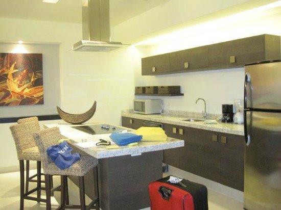 Marival Residences Luxury Resort: kitchen