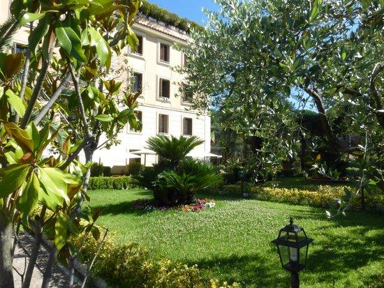 Grand Hotel del Gianicolo: Le jardin