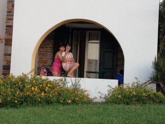 Naxos Palace Hotel: Las vistas detrás