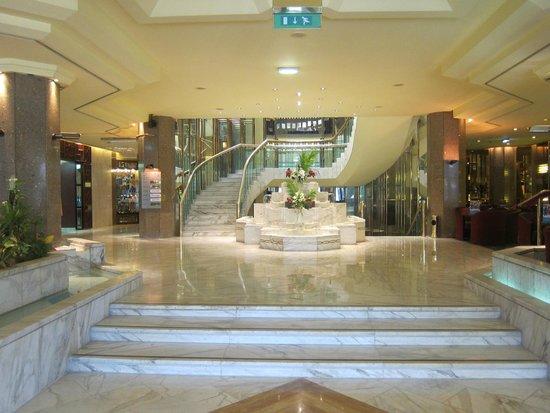 Le Meridien Heliopolis: Lobby