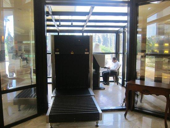 Le Meridien Heliopolis: Security