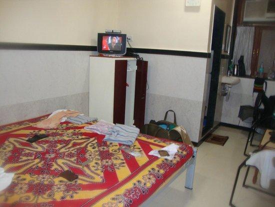 Hotel Travellers Inn: room