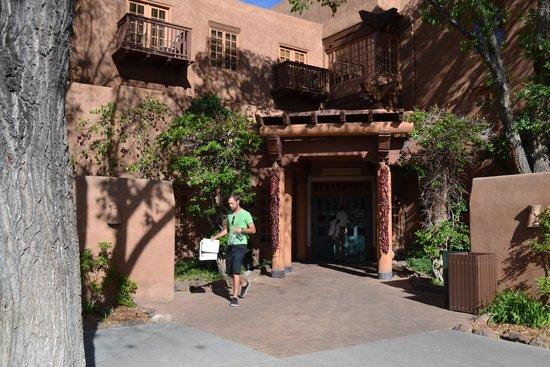 Hotel Santa Fe: Hoteleingang