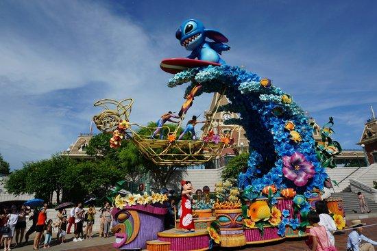 Hong Kong Disneyland: parade_stich