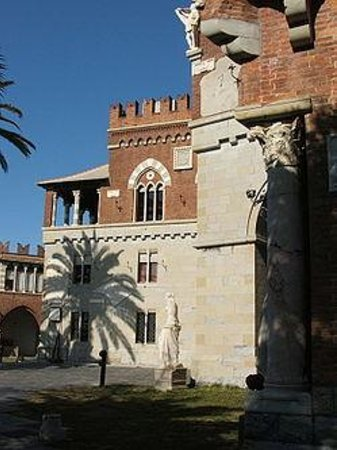 Castello d'Albertis: esterno castello