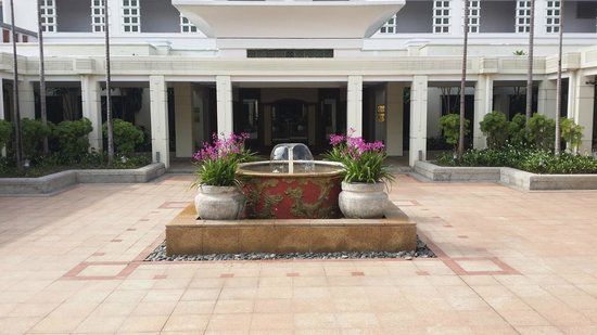 Sheraton Hanoi Hotel: Lovely entrance