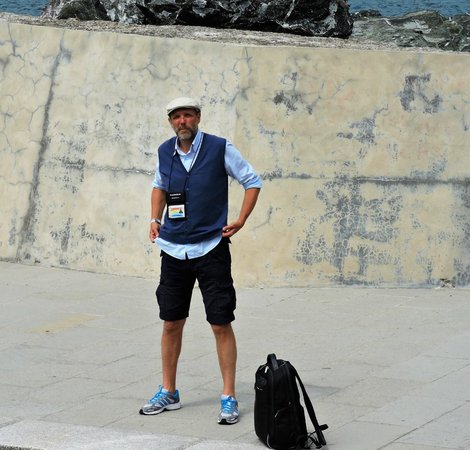 CTTours - Cinque Terre Private Tours and Shore Excursions : Our trusty Guide. Did I mention his credentials? Fully certified.