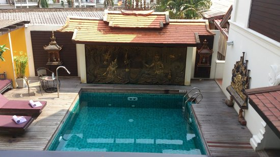 De Naga Hotel: the tiny swimming pool