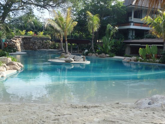 Bali Mandira Beach Resort & Spa: New pool area - great for families