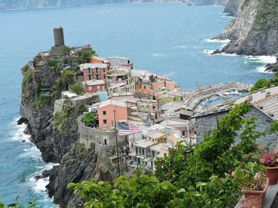 CTTours - Cinque Terre Private Tours and Shore Excursions: Vernassa from the top