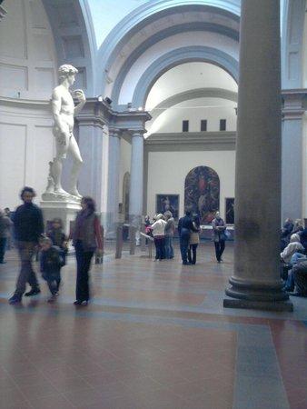 Accademia di Belle Arti (Galleria dell'Accademia): El David.. Impresionante