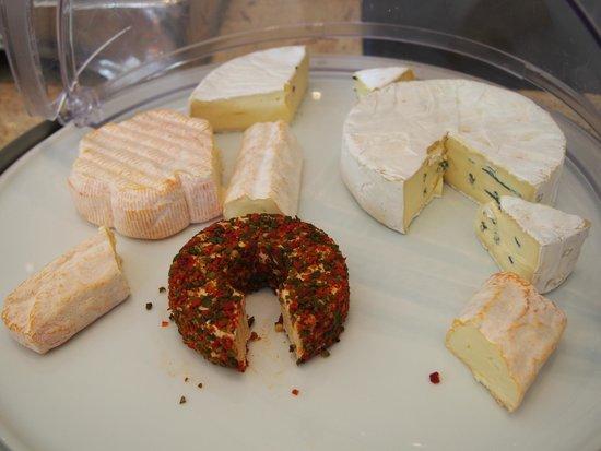 Arthotel ANA Westbahn: チーズが大好きなので、毎朝たくさんいただきました~