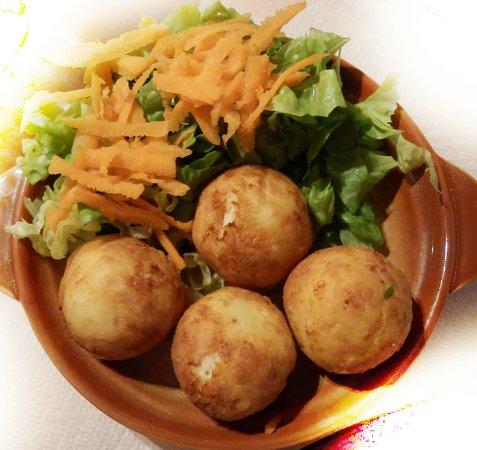 To Konaki Tou Vlaxou : Cheese balls