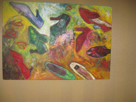 Holiday Inn Miami West - Hialeah Gardens : love shoe art work