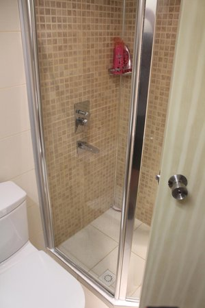 Neilson Phokaia Beachclub: Shower