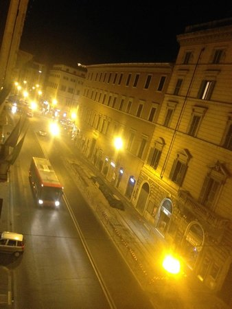 Tiziano Hotel : Night Room View
