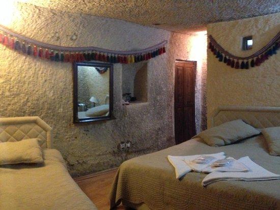 SOS Cave Hotel: 部屋