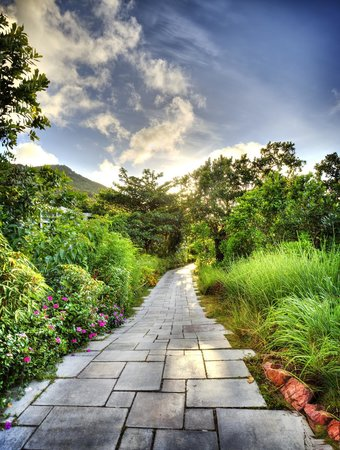 Raffles Seychelles: A walk path in the hotel near to beach on a sunset